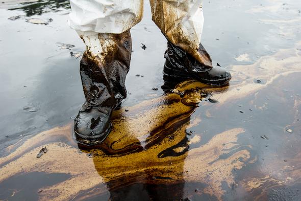 Oil spill2 resized